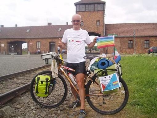 """Il Coronavirus non ferma il """"ciclista della memoria"""" varesino: «Pedalerò nei luoghi delle stragi nazifasciste del Piemonte»"""
