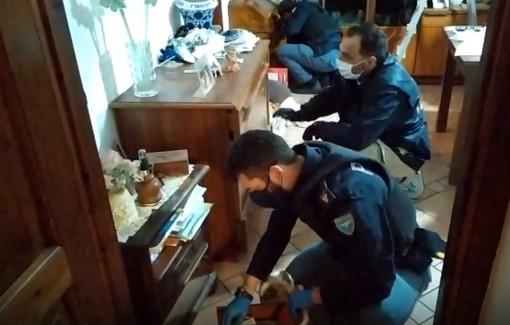 Strike della Squadra Mobile di Asti contro lo spaccio di coca e crack: emesse 42 ordinanze cautelari (13 in carcere) [VIDEO]