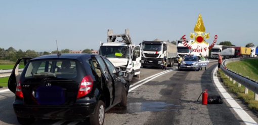 Schianto a Borgo Vercelli: morta una donna