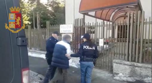Notizie dal Piemonte. Estradato in Italia l'autista di scuolabus accusato di violenza sessuale su disabili nel Torinese