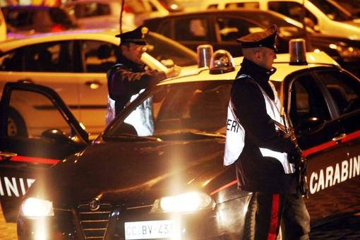 Busto Arsizio, controlli dei carabinieri: scattano denunce per furto, droga e porto di oggetti atti a offendere