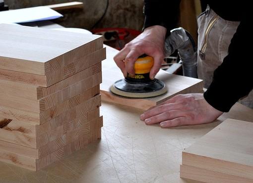 Rinnovato il Ccnl legno industria, era scaduto da 18 mesi