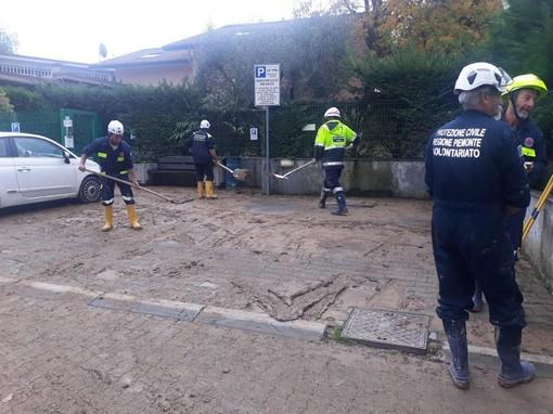 Volontari del Coordinamento provinciale della Protezione Novarese al lavoro nell'Alessandrino colpito dall'alluvione