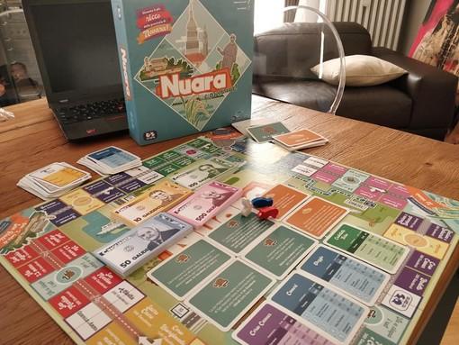 """Il gioco da tavolo dedicato alla città e al territorio in arrivo nei negozi. Con """"Nuara"""" palazzi e risaie si comprano a suon di Gaudenzi"""