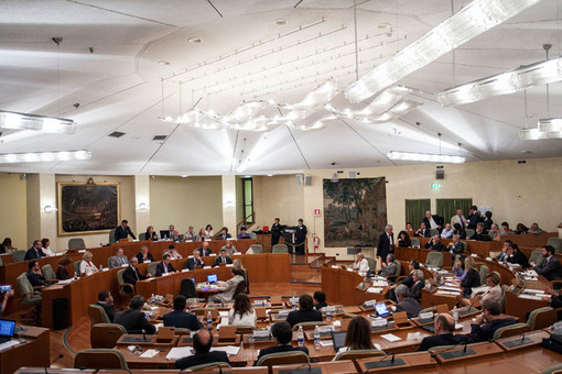"""""""Luna di miele"""" già finita tra Cirio e la minoranza di centrosinistra in consiglio regionale"""