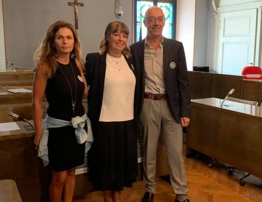 Da sinistra Marianna De Caro (organizzatrice), l'assessore al commercio Elisabetta Franzoni e Alessandro Scandella di Confartigianato Imprese