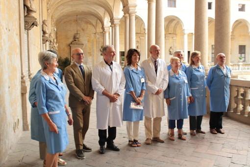 L'Associazione Volontari Ospedalieri di Novara dona di dieci carrozzine al pronto soccorso e due poltrone per le terapie destinate alla Struttura complessa di Ematologia