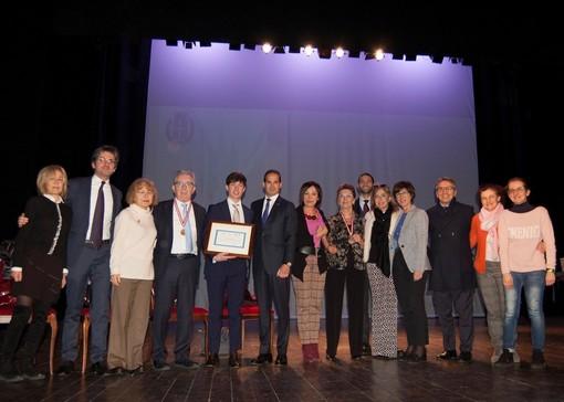 """Il Rotary Club Novara San Gaudenzio ha consegnato la seconda edizione del premio """"Studente novarese meritevole dell'anno 2019"""""""