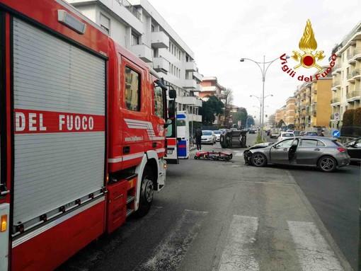 Incidente in via Galilei, fa discutere la sicurezza della strada