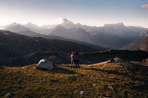 """""""Home to Rosa"""" per Anne-Kathrin Melis e Luca Fontana parte dalla porta di casa il tour del Monte Rosa"""