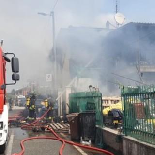 Notizie dal Piemonte. Incendio in una palazzina di Leiní: muore una donna di 63 anni [VIDEO]
