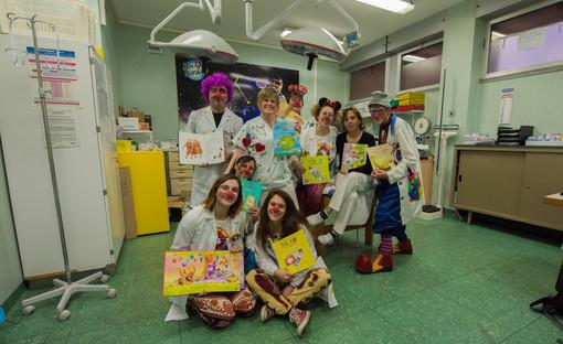 Interlinea dona 120 libri ai reparti pediatrici del Vco
