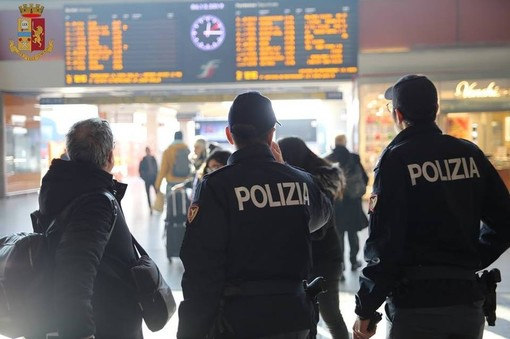 Polizia Ferroviaria al lavoro sotto Natale: numeri e interventi nei treni e stazioni del Piemonte