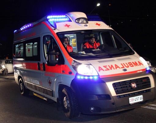 Dramma a Borgomanero, automobilista muore imprigionato tra le fiamme della sua auto
