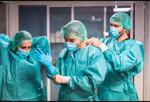 Covid, oggi registrati 706 nuovi casi, i ricoveri ospedalieri scendono ancora