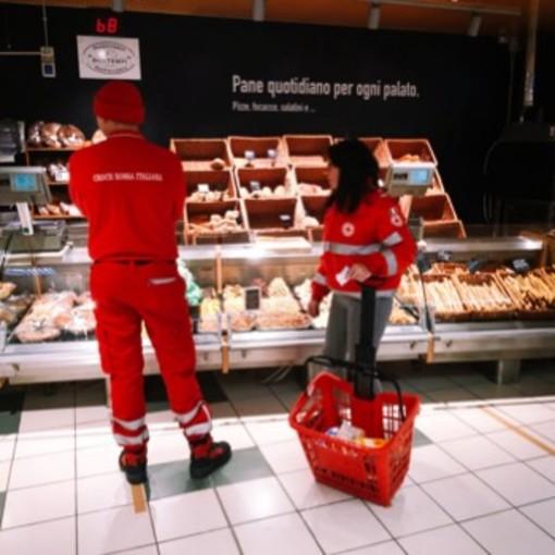 Comune e Croce Rossa offrono il servizio di spesa a domicilio per gli isolati