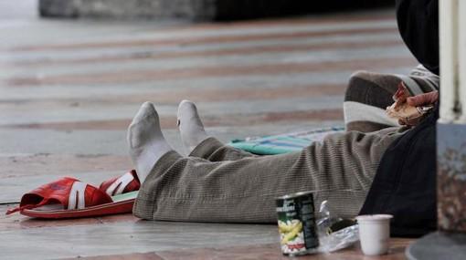 Cronaca del Nord-Ovest: Torino Porta Nuova, 19enne aggredisce un clochard cercando di rubargli i cartoni del rifugio per la notte