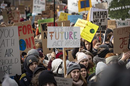 Tornano in piazza i ragazzi di Friday For Future
