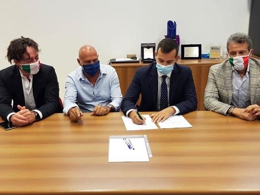 Saranno consegnati a fine novembre i nuovi centri  di raccolta rifiuti di Bellinzago e Romentino