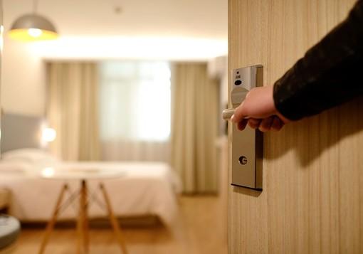 Il restyling del tuo albergo può essere fatto tutto a rate senza esposizioni bancarie. Scopri come!