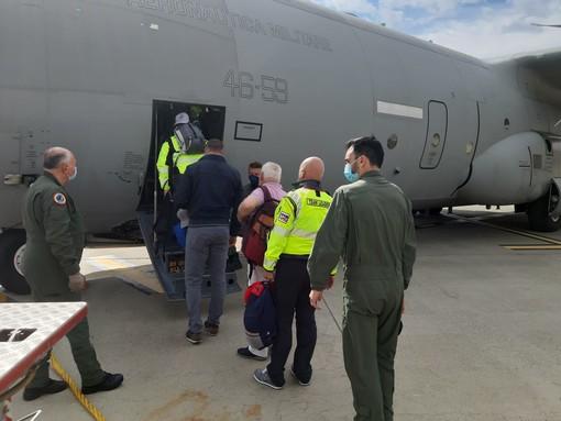 Partita dall'aeroporto di Torino la missione italiana che fornirà ossigeno all'India