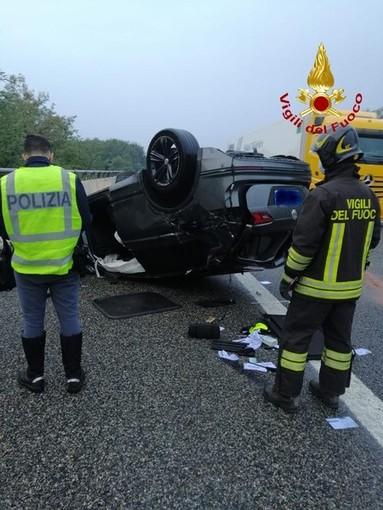 """Auto """"carambola"""" sulla A26, due feriti FOTO"""