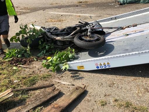 Notizie dal Piemonte. Dramma a Castellengo: perde la vita un 27enne motociclista nell'incidente contro un trattore