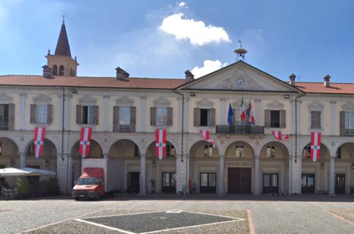 Sarà collocata in via Novara la Panchina Rossa di Trecate