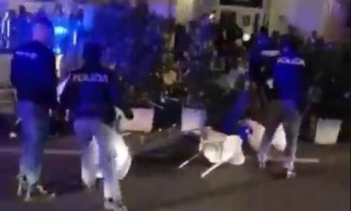 Maxi rissa in Piazza Martiri, la Prefettura annuncia più controlli