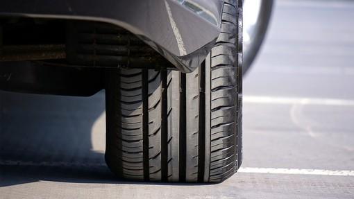 Viaggi in auto, Pirelli offre consigli di sicurezza