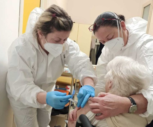 """""""Tutti gli over 70 piemontesi vaccinati con una prima dose solo entro il 2 maggio"""""""