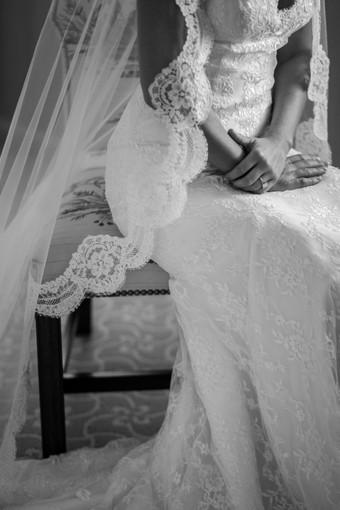 """Villa Cicogna: sfilata benefica """"Le nostre spose dagli anni 50 in poi. Sfilata di abiti da sposa, testimoni d'amore"""""""