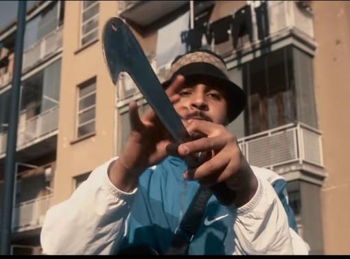 Ha partecipato a una maxirissa a Milano con un machete, denunciato il rapper Zefe